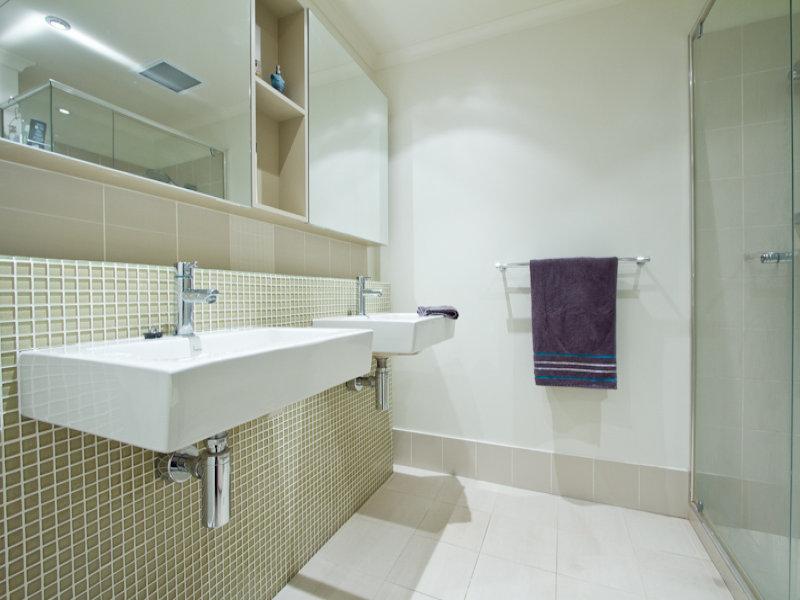 https://propertyphotos.vaultre.com.au/835/766346__reaimport-1568686126-347931-29595.jpg
