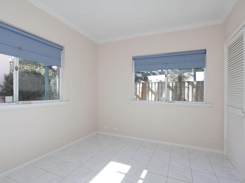 https://propertyphotos.vaultre.com.au/835/766402__reaimport-1568686140-347938-29602.jpg
