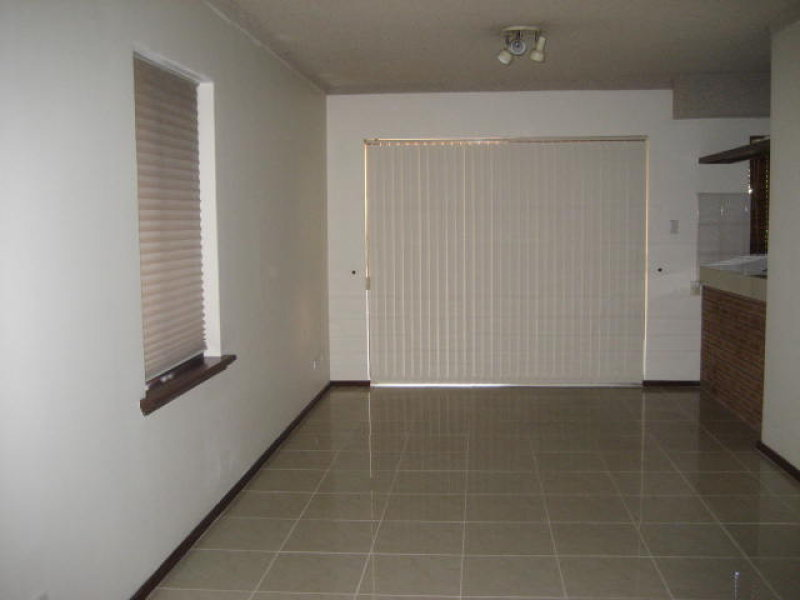 https://propertyphotos.vaultre.com.au/835/766803__reaimport-1568686244-347975-29639.jpg