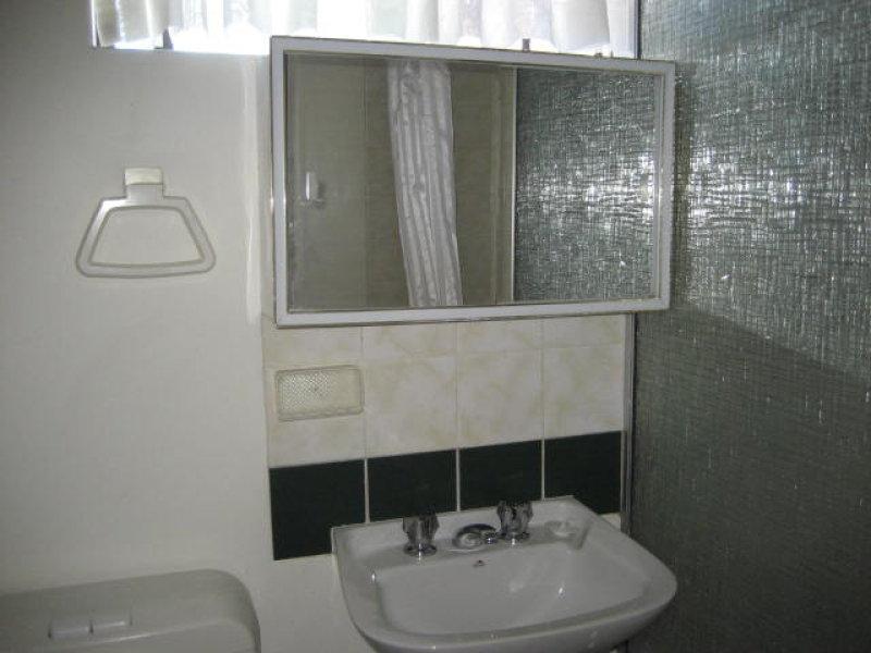 https://propertyphotos.vaultre.com.au/835/766805__reaimport-1568686245-347975-29639.jpg