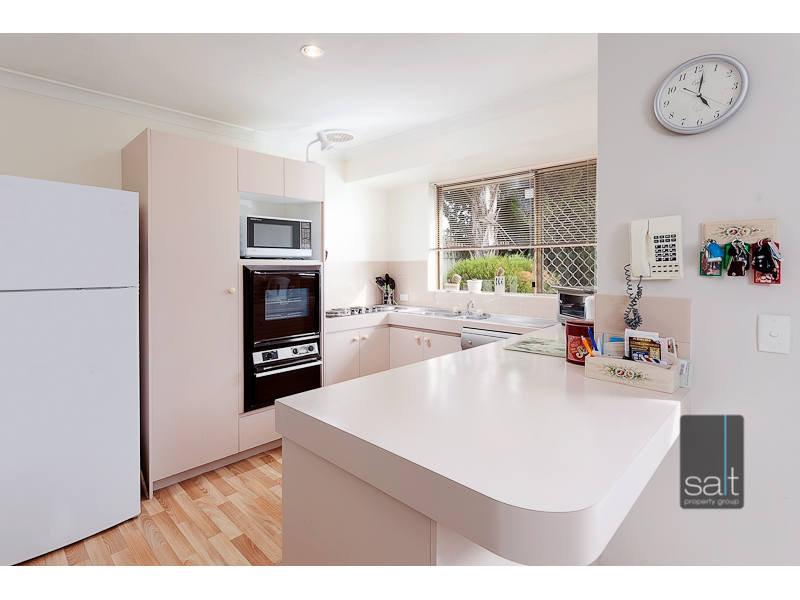 https://propertyphotos.vaultre.com.au/835/767030__reaimport-1568686304-347993-29657.jpg