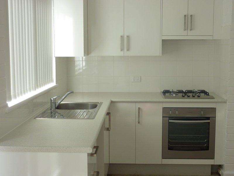 https://propertyphotos.vaultre.com.au/835/767887__reaimport-1568686536-348069-29732.jpg