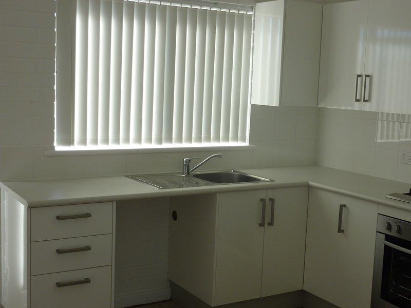 https://propertyphotos.vaultre.com.au/835/767888__reaimport-1568686536-348069-29732.jpg
