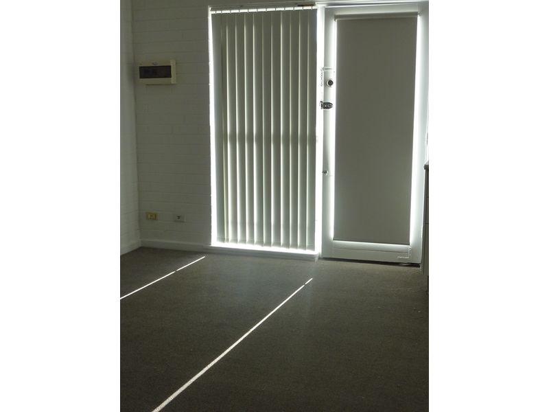 https://propertyphotos.vaultre.com.au/835/767904__reaimport-1568686539-348071-29734.jpg