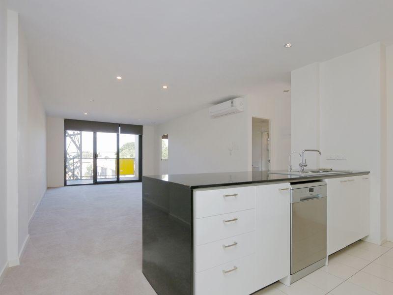 https://propertyphotos.vaultre.com.au/835/768472__reaimport-1568686714-348120-29783.jpg