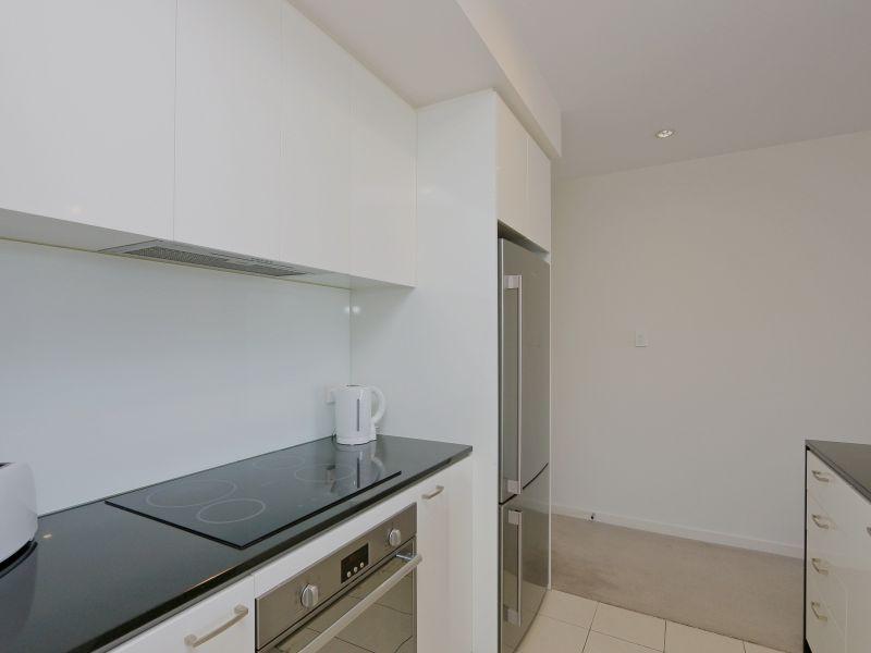 https://propertyphotos.vaultre.com.au/835/768473__reaimport-1568686714-348120-29783.jpg