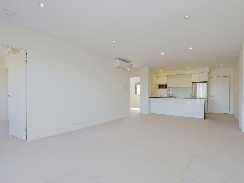 https://propertyphotos.vaultre.com.au/835/768477__reaimport-1568686715-348120-29783.jpg