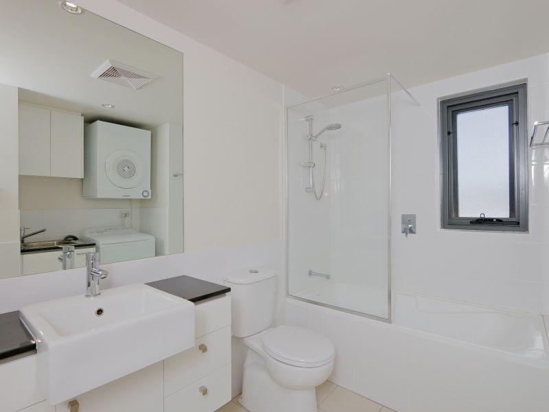 https://propertyphotos.vaultre.com.au/835/768483__reaimport-1568686717-348120-29783.jpg