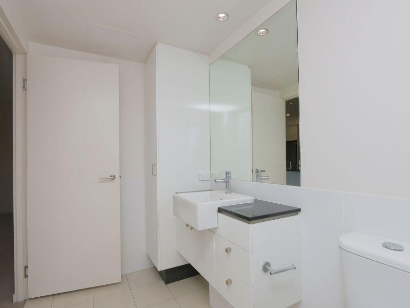 https://propertyphotos.vaultre.com.au/835/768484__reaimport-1568686717-348120-29783.jpg