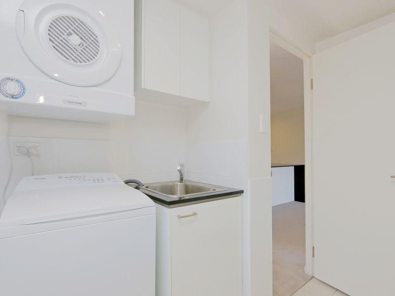https://propertyphotos.vaultre.com.au/835/768485__reaimport-1568686717-348120-29783.jpg