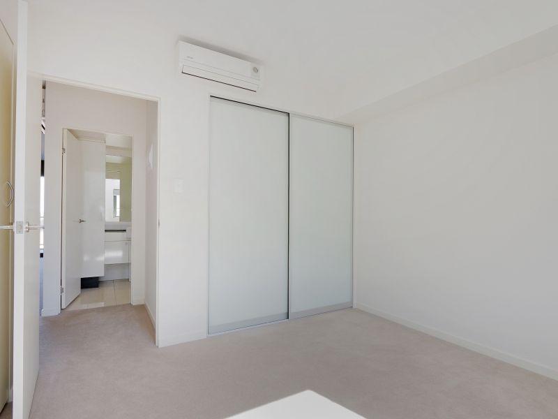 https://propertyphotos.vaultre.com.au/835/768489__reaimport-1568686719-348120-29783.jpg