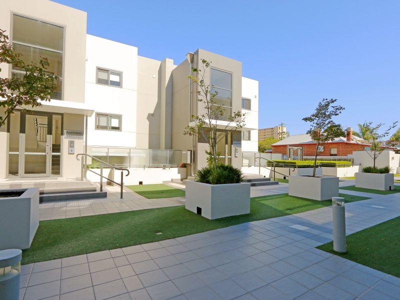 https://propertyphotos.vaultre.com.au/835/768491__reaimport-1568686720-348120-29783.jpg