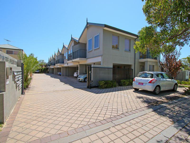https://propertyphotos.vaultre.com.au/835/768528__reaimport-1568686732-348123-29786.jpg