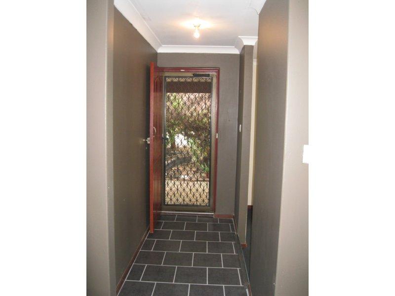 https://propertyphotos.vaultre.com.au/835/768658__reaimport-1568686772-348138-29800.jpg