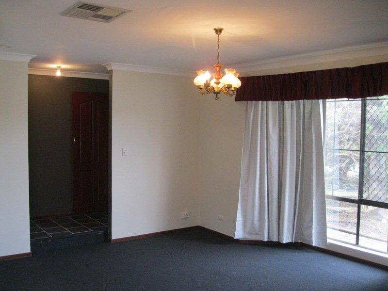 https://propertyphotos.vaultre.com.au/835/768660__reaimport-1568686772-348138-29800.jpg