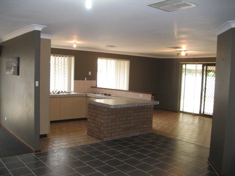 https://propertyphotos.vaultre.com.au/835/768664__reaimport-1568686773-348138-29800.jpg