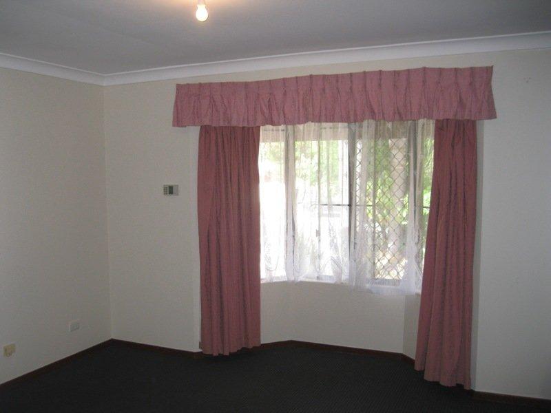 https://propertyphotos.vaultre.com.au/835/768665__reaimport-1568686774-348138-29800.jpg