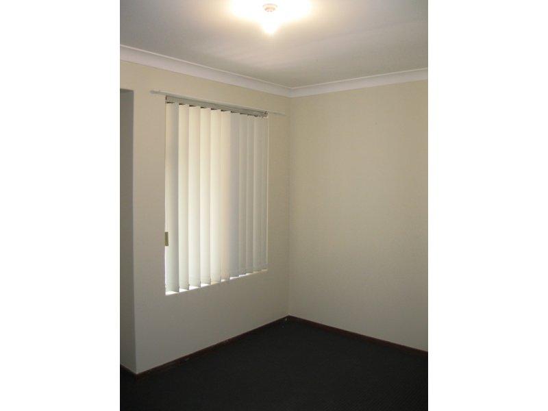 https://propertyphotos.vaultre.com.au/835/768668__reaimport-1568686774-348138-29800.jpg