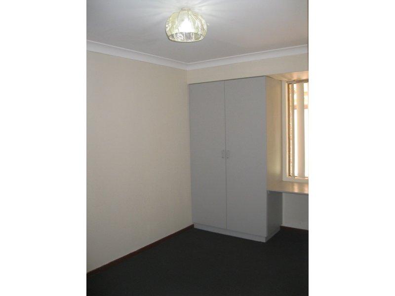 https://propertyphotos.vaultre.com.au/835/768669__reaimport-1568686774-348138-29800.jpg