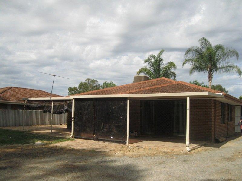 https://propertyphotos.vaultre.com.au/835/768672__reaimport-1568686775-348138-29800.jpg