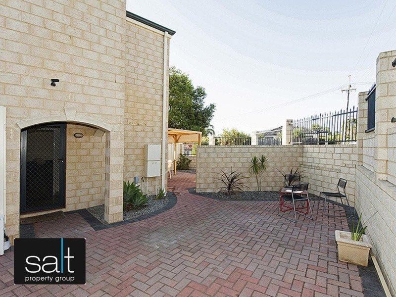 https://propertyphotos.vaultre.com.au/835/769213__reaimport-1568686961-348193-29854.jpg