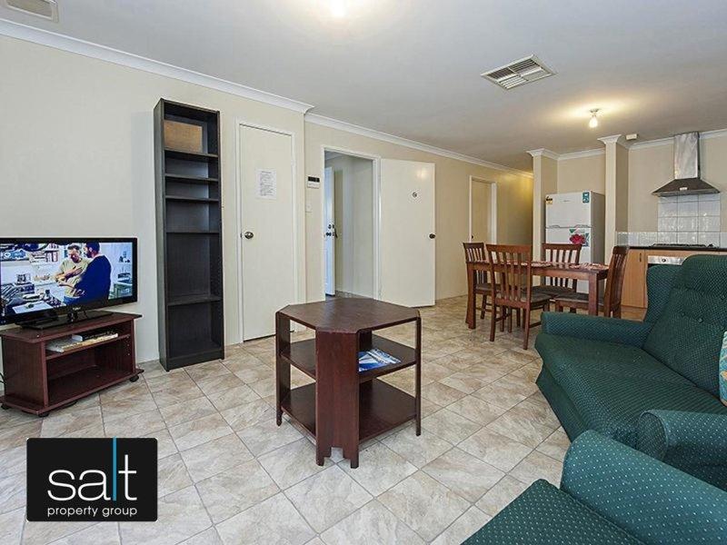 https://propertyphotos.vaultre.com.au/835/769214__reaimport-1568686961-348193-29854.jpg