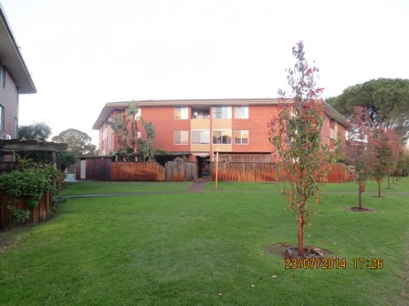 https://propertyphotos.vaultre.com.au/835/769682__reaimport-1568687101-348232-29892.jpg