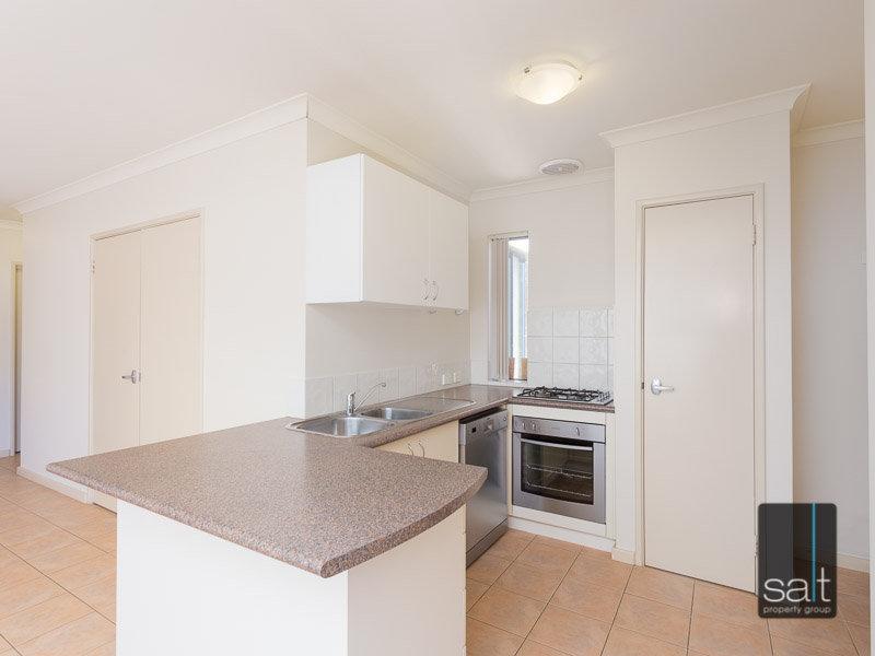 https://propertyphotos.vaultre.com.au/835/770345__reaimport-1568687291-348293-29951.jpg