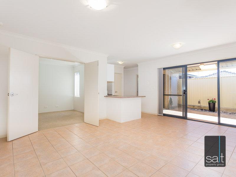 https://propertyphotos.vaultre.com.au/835/770347__reaimport-1568687292-348293-29951.jpg