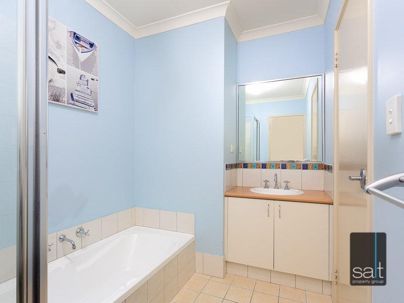 https://propertyphotos.vaultre.com.au/835/770349__reaimport-1568687292-348293-29951.jpg