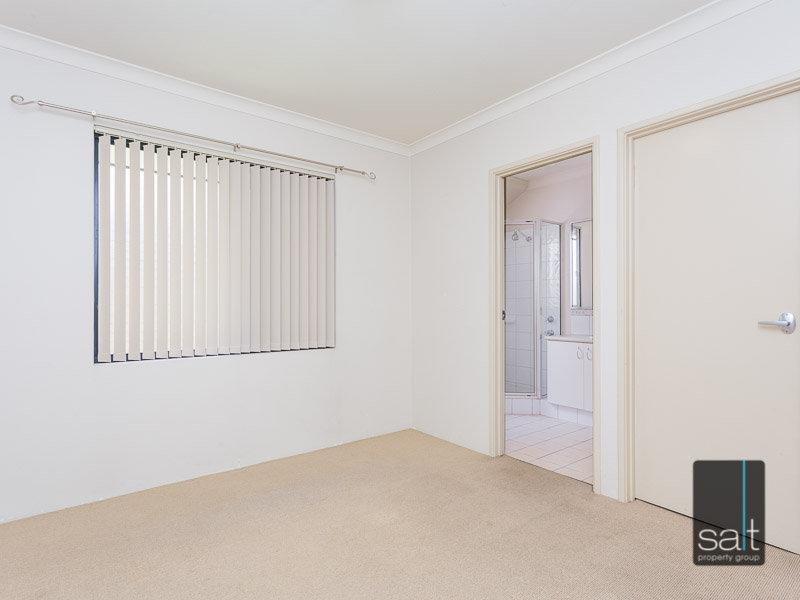 https://propertyphotos.vaultre.com.au/835/770350__reaimport-1568687293-348293-29951.jpg