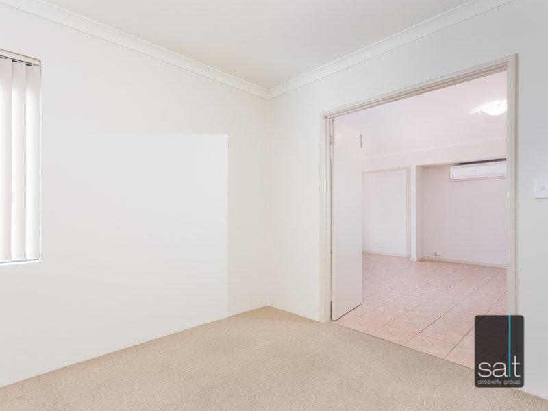 https://propertyphotos.vaultre.com.au/835/770351__reaimport-1568687293-348293-29951.jpg