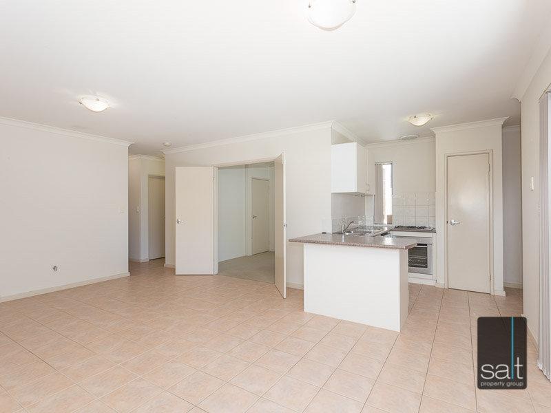 https://propertyphotos.vaultre.com.au/835/770352__reaimport-1568687293-348293-29951.jpg