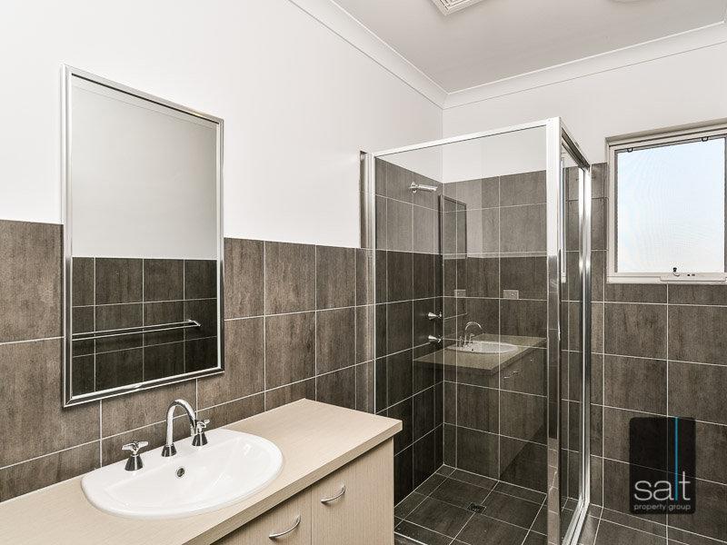 https://propertyphotos.vaultre.com.au/835/770439__reaimport-1568687317-348301-29958.jpg
