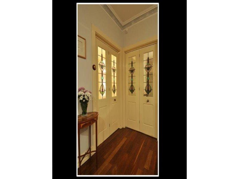 https://propertyphotos.vaultre.com.au/835/770580__reaimport-1568687353-348312-29969.jpg