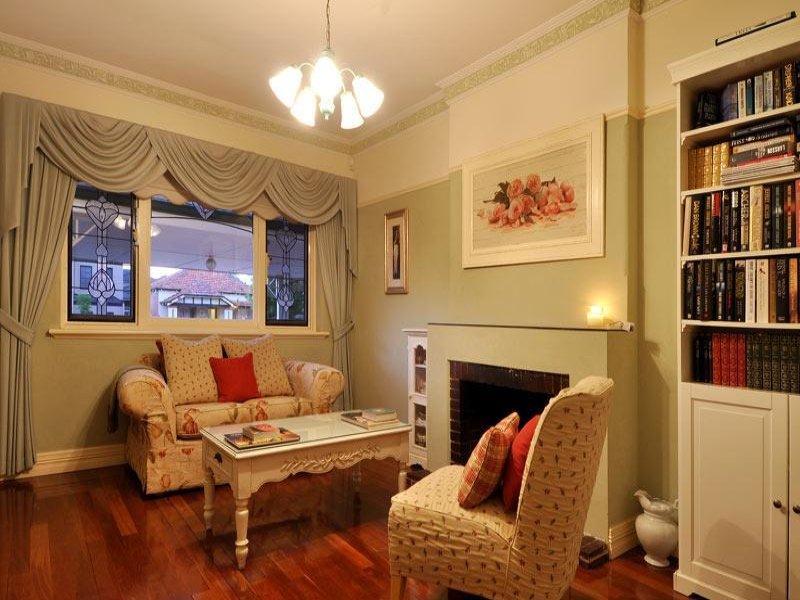 https://propertyphotos.vaultre.com.au/835/770581__reaimport-1568687354-348312-29969.jpg