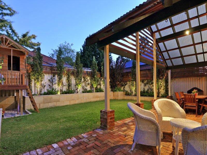 https://propertyphotos.vaultre.com.au/835/770587__reaimport-1568687355-348312-29969.jpg