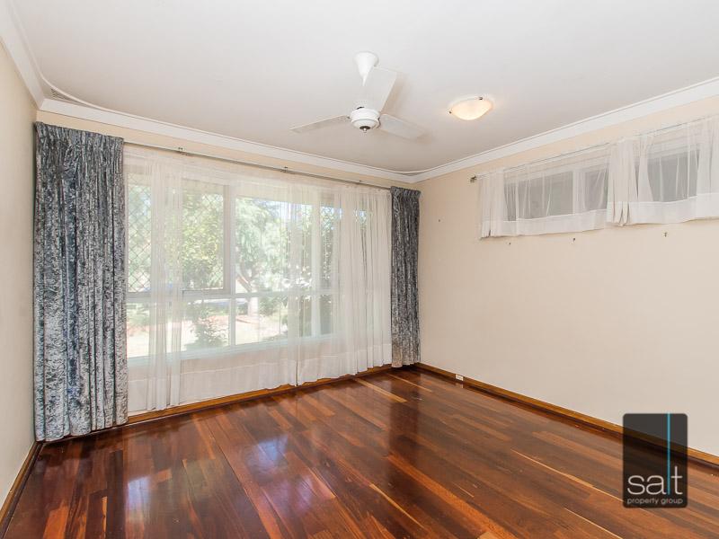 https://propertyphotos.vaultre.com.au/835/770720__reaimport-1568687383-348320-29977.jpg