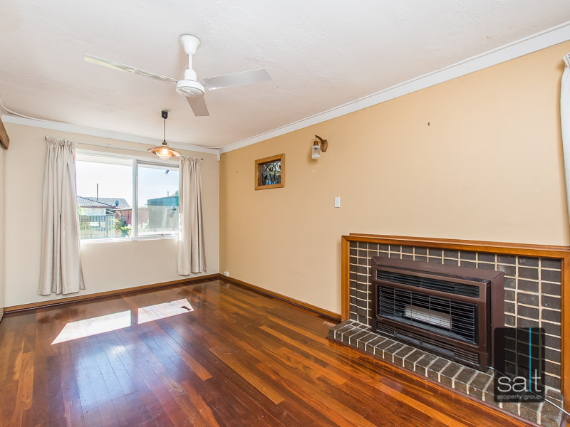 https://propertyphotos.vaultre.com.au/835/770727__reaimport-1568687385-348320-29977.jpg