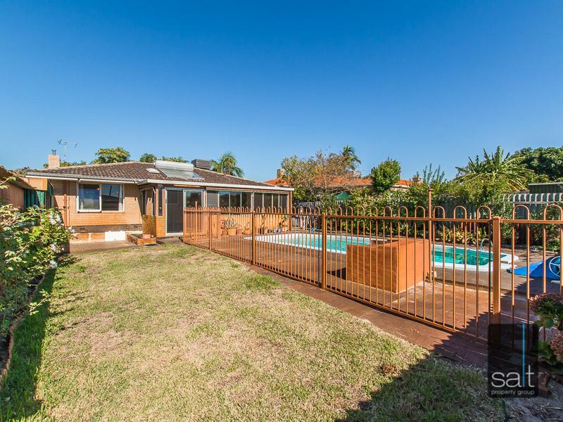 https://propertyphotos.vaultre.com.au/835/770734__reaimport-1568687387-348320-29977.jpg