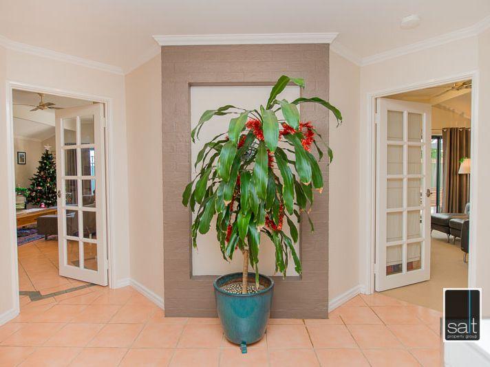 https://propertyphotos.vaultre.com.au/835/770905__reaimport-1568687438-348332-29989.jpg