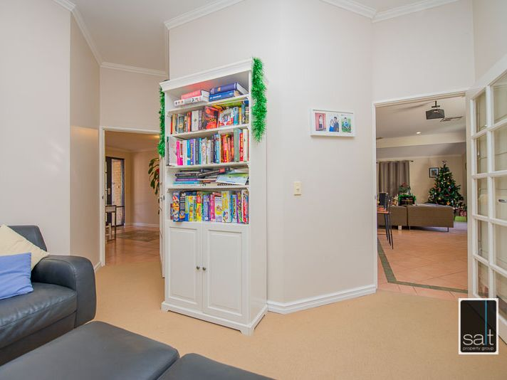 https://propertyphotos.vaultre.com.au/835/770907__reaimport-1568687438-348332-29989.jpg