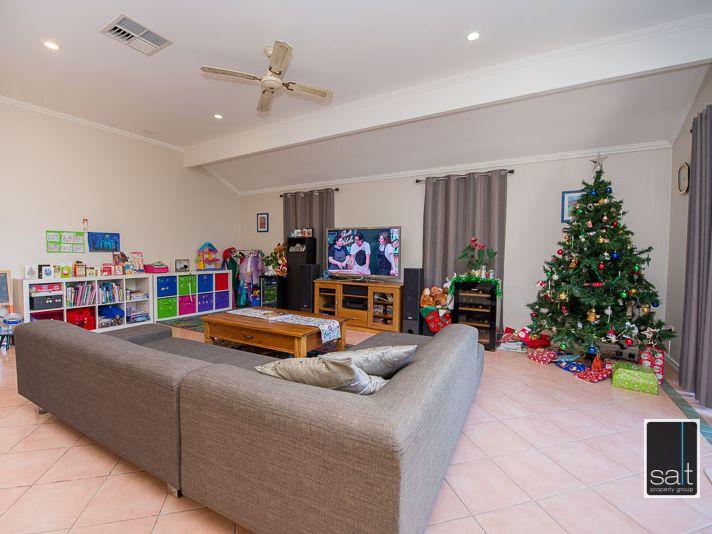 https://propertyphotos.vaultre.com.au/835/770909__reaimport-1568687439-348332-29989.jpg