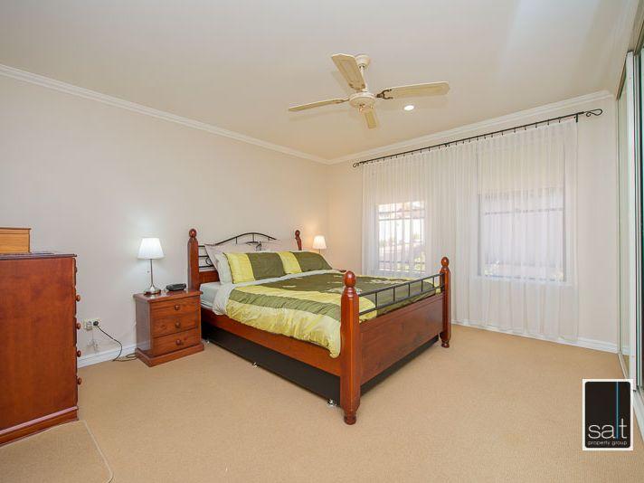 https://propertyphotos.vaultre.com.au/835/770912__reaimport-1568687440-348332-29989.jpg