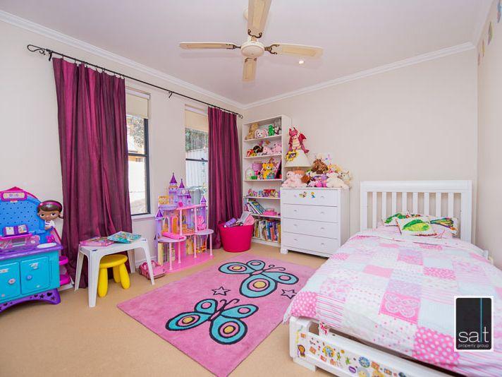 https://propertyphotos.vaultre.com.au/835/770914__reaimport-1568687441-348332-29989.jpg