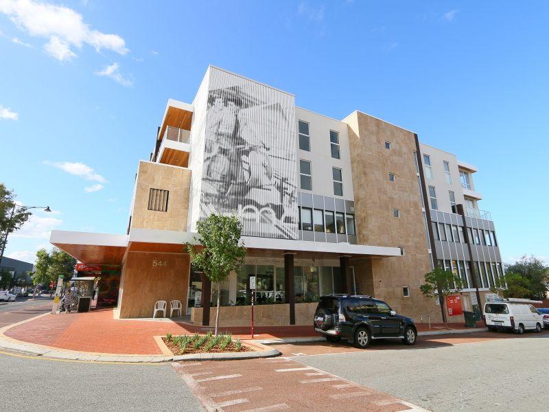 https://propertyphotos.vaultre.com.au/835/771012__reaimport-1568687469-348340-29997.jpg