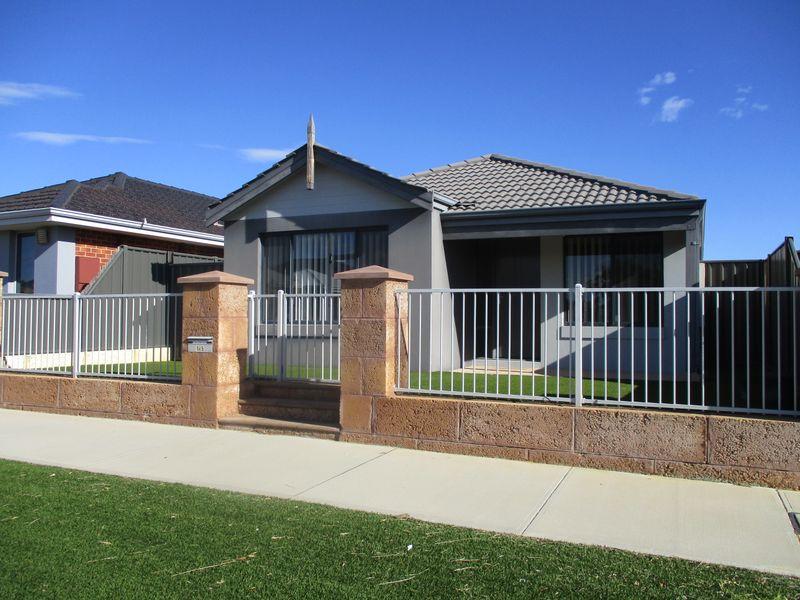 https://propertyphotos.vaultre.com.au/835/771139__reaimport-1568687508-348347-30004.jpg