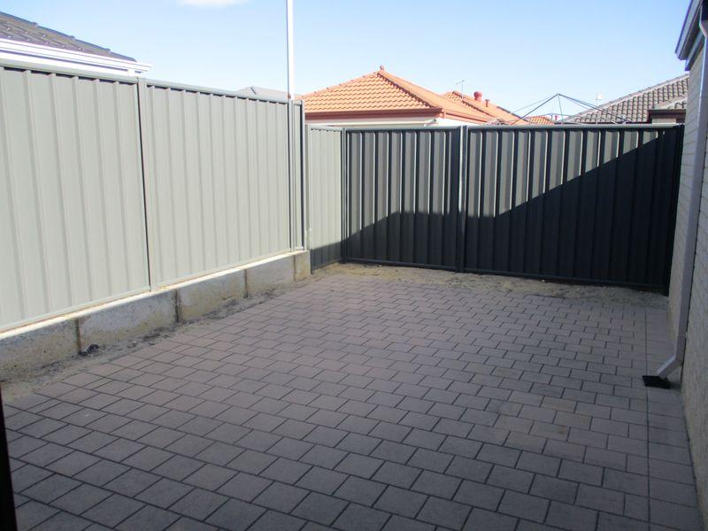 https://propertyphotos.vaultre.com.au/835/771147__reaimport-1568687512-348347-30004.jpg