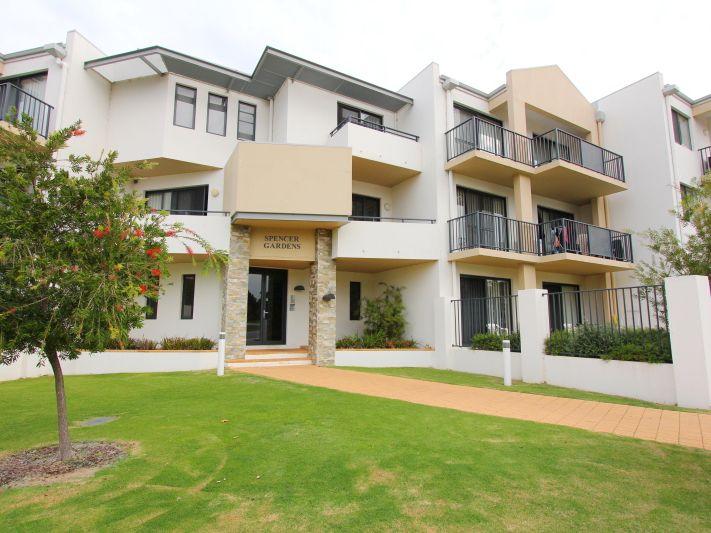 https://propertyphotos.vaultre.com.au/835/771149__reaimport-1568687514-348348-30005.jpg