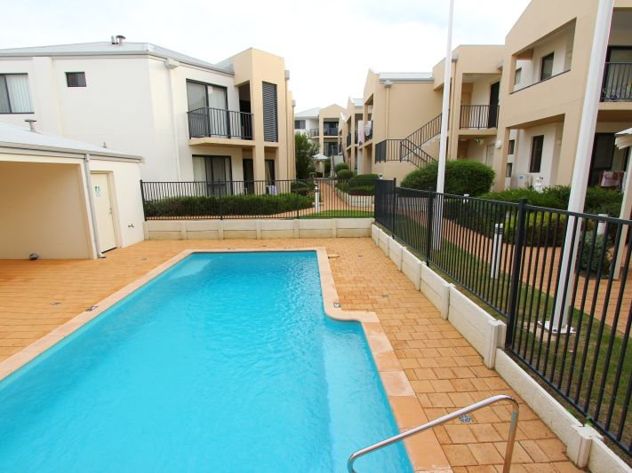 https://propertyphotos.vaultre.com.au/835/771150__reaimport-1568687514-348348-30005.jpg